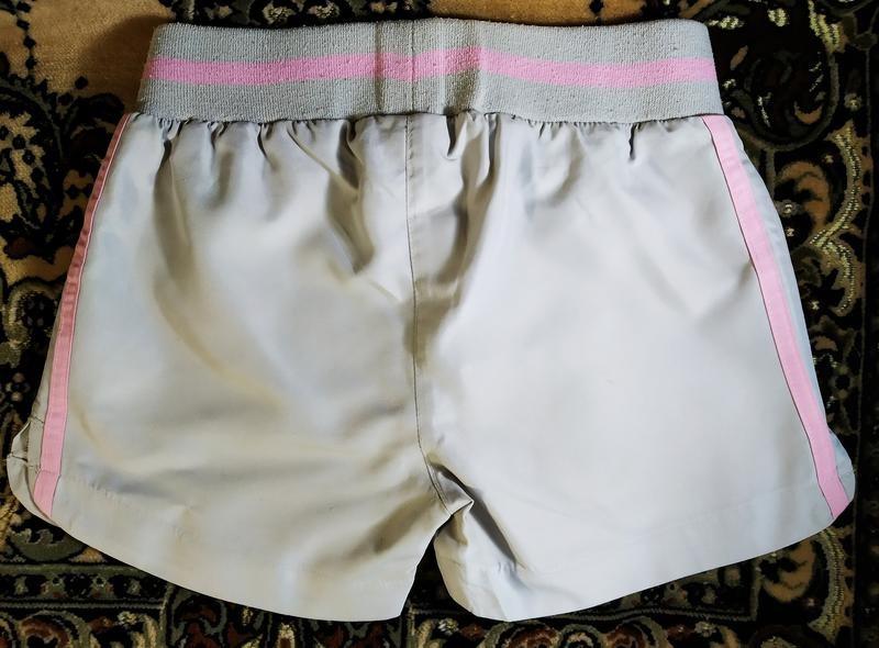 Фирменные спортивные шорты девочке фото №2