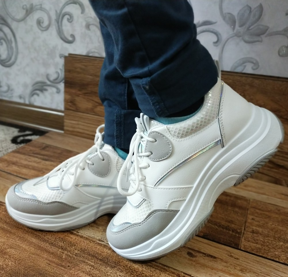 Стильні, модні жіночі кросівки фото №1